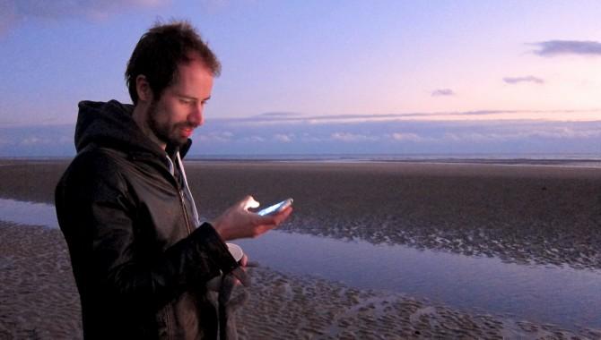 Plus d'un Français sur deux n'arrive pas à déconnecter pendant les vacances